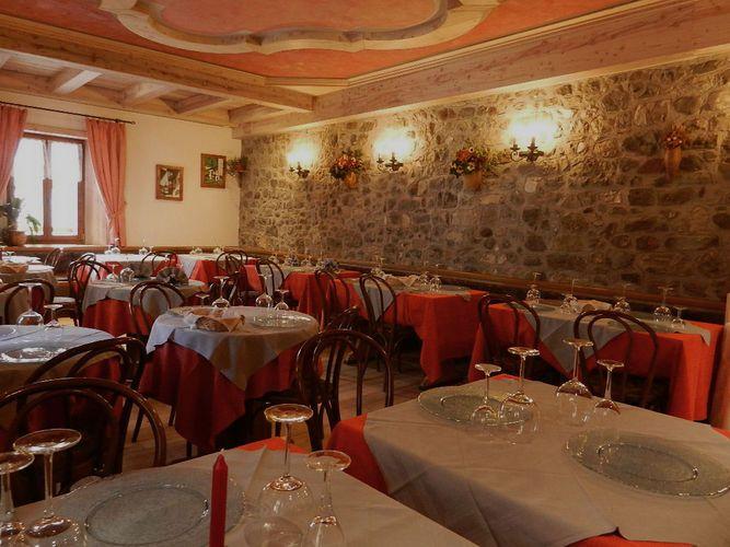 Ristorante centrale forni di sopra ristorante cucina regionale italiana recensioni ristorante - Cucina regionale italiana ...