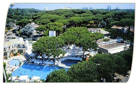 Dettagli Ricevimenti Dell'Hotel Shangri La' Corsetti