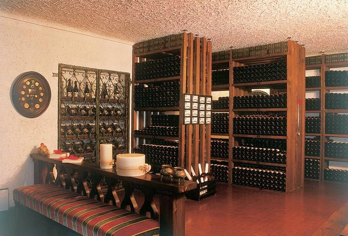 Dettagli Enoteca / Wine Bar Vini e Vecchi Sapori