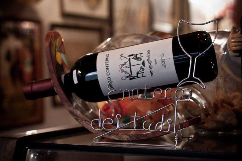 Dettagli Enoteca / Wine Bar dei Tadi