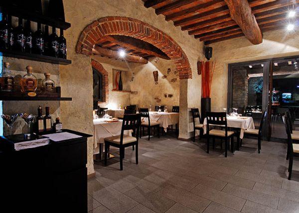 Enoteca wine bar rivasud barberino di mugello ristorante for Arredamento enoteca wine bar