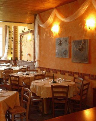 Ristorante etnico chez zeina torino ristoranti etnici for Arredamento etnico torino