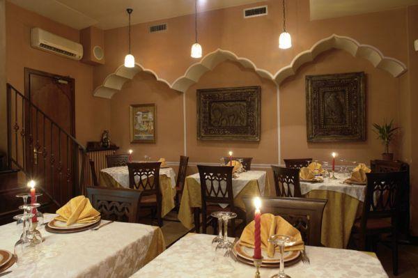 Ristorante etnico jaipur torino ristoranti etnici cucina for Arredamento etnico torino
