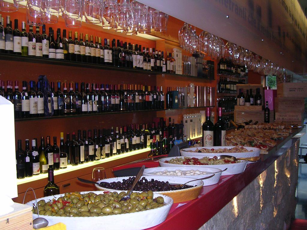 Enoteca / Wine Bar  Anzuni ROMA