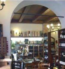 Dettagli Enoteca / Wine Bar A Cuvea