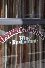 Dettagli Enoteca / Wine Bar I Colori del Vino