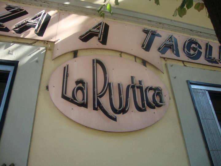 Dettagli Pizzeria La Rustica